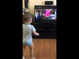 Юный танцовщик) Мой внучок)