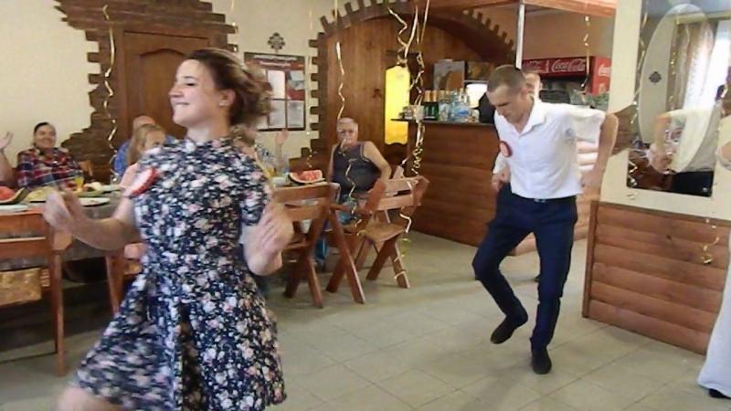 Танец свидетелей на свадьбе Цыганочкаэкспромтом