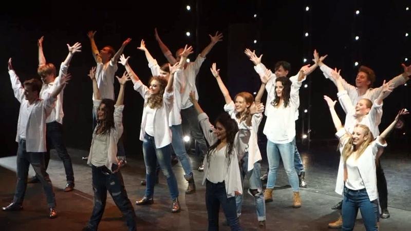 Поклоны и танец. Мы из мюзикла.13.07.18 Учебный театр на Моховой