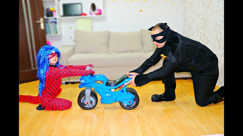 Леди Баг и Супер Кот не поделили МИНИ БАЙК Sportbike Power Wheels
