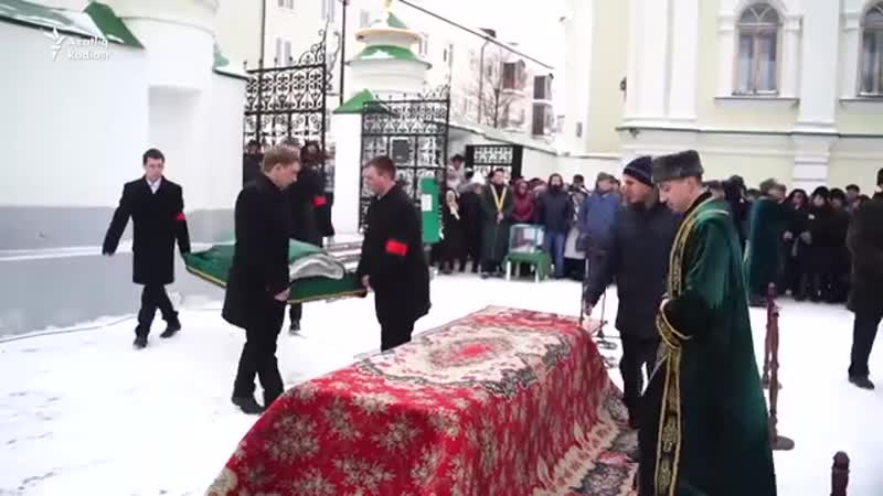 Татар дөньясы Илһам Шакировны соңгы юлга озатты