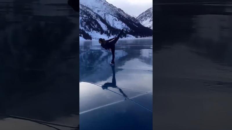 Девушка на БАО прокатилась на коньках