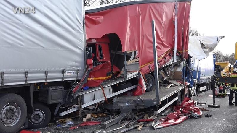 07.02.2019 - VN24 - Schwerer LKW-Unfall auf A1 bei Unna - Fahrer eingeklemmt