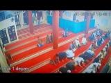 Землетрясение в Индонезии! Люди не оставляют намаз! Mishary Rashid Al-Afasy