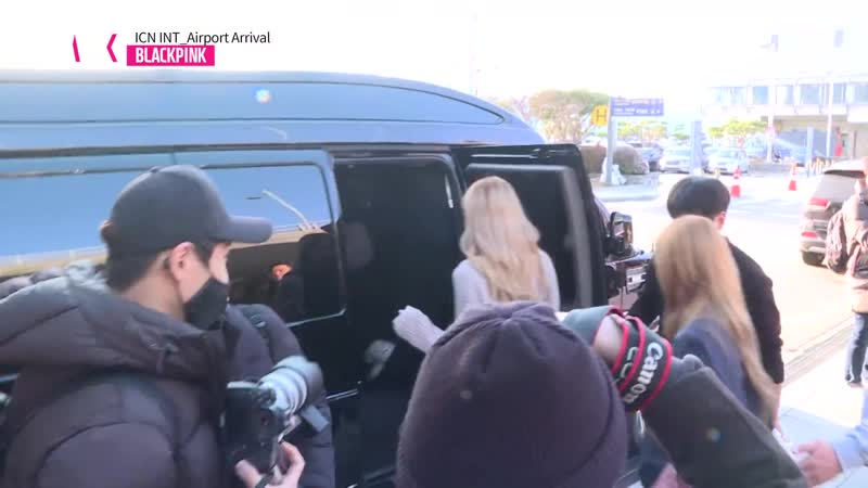 181120 BLACKPINK @ Incheon airport (Seoul, Korea) from Soekarno-Hatta (Jakarta, Indonesia)
