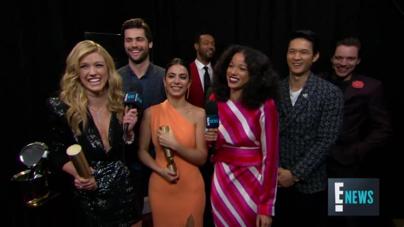 Церемония награждения «People's Choice Awards»: Интервью каста «Сумеречных охотников» для портала «E! News»
