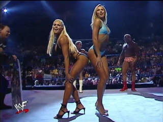 Torrie Wilson and Stacy Keibler vs Billy Gunn and Chuck Palumbo in pose down