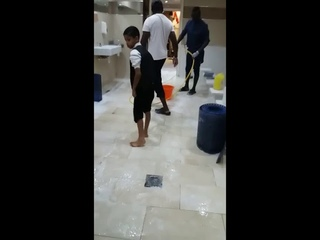 Liverpool FC footballer Sadio Mane cleaning the mosque toilets & wudhu area in Liverpool