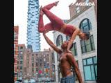 Гуру йоги Andrew Sealy учит делать невозможное