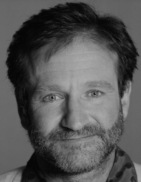 past Робин Уильямс. Ро́бин Мак-Ло́рин Уи́льямс (21 июля 1951 года, Чикаго, Иллинойс, США - 11 августа 2014 года, Тибурон, Калифорния, США) - американский актёр, сценарист, продюсер и