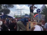 Брянск. Битва за бесплатную картошку (360p).mp4