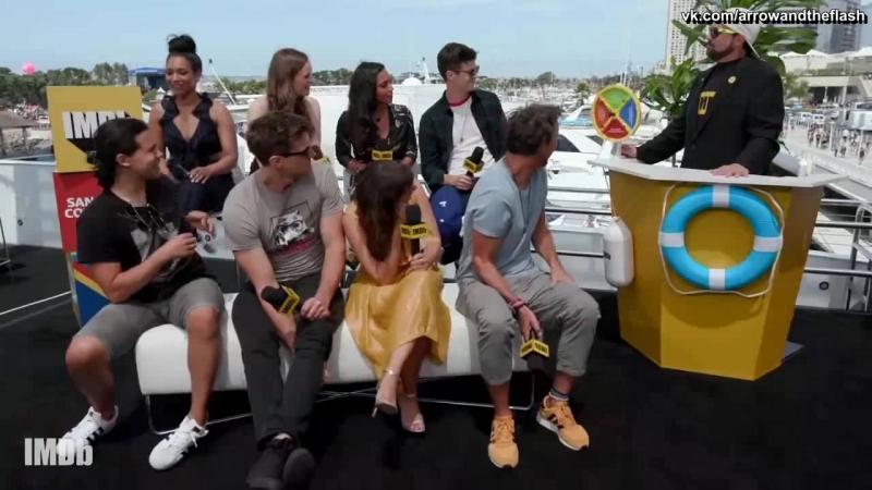 Каст Флэша говорит о 5 сезоне в интервью Кевина Смита [русские субтитры]The Flash Season 5 cast QA with Kevin Smith [Rus Sub]