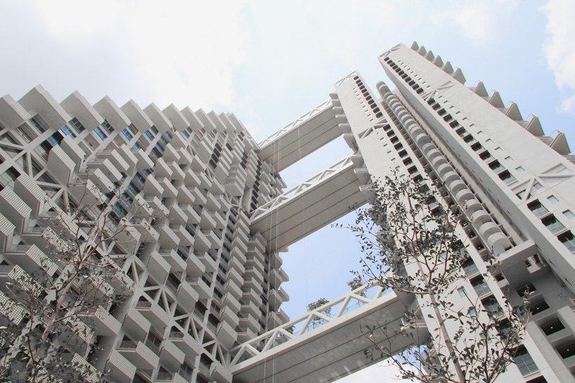 Небесная среда обитания moshe safdie приближается к завершению в Сингапуре