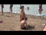Чудесное спасение. В Дюртюлях женщина спасла тонущего ребенка.