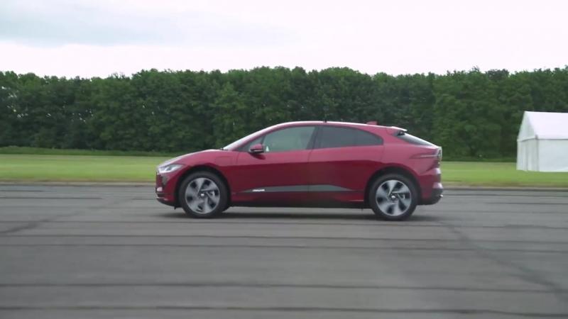 Audi RS3 vs Jaguar I-Pace Petrol vs Electric - DRAG RACE, ROLLING RACE BRAKE TEST