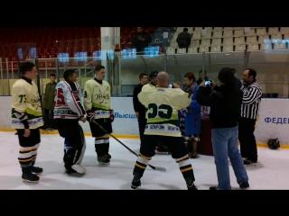 Награждение победителя, призеров и участников турнира, посвященного памяти В.Г.Васильева.