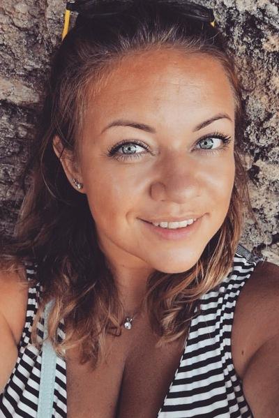 Анна Овчинникова