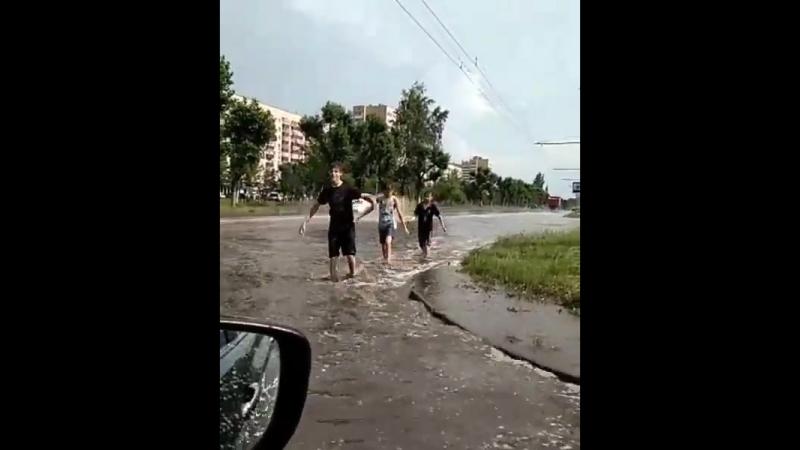 Вода по щиколотку после дождя