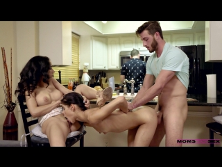 Momsteachsex - katya rodriguez and tia cyrus share with mommy xxx