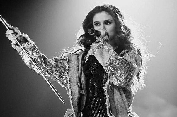 Исполнительницы и их синглы, преодолевшие порог более 1,000,000 прослушиваний на «Spotify» за первые сутки: