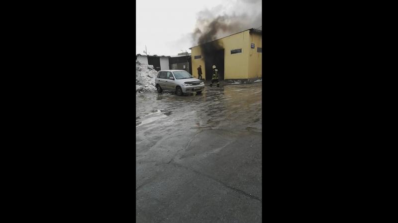 Пожар на складе на улице Писемского