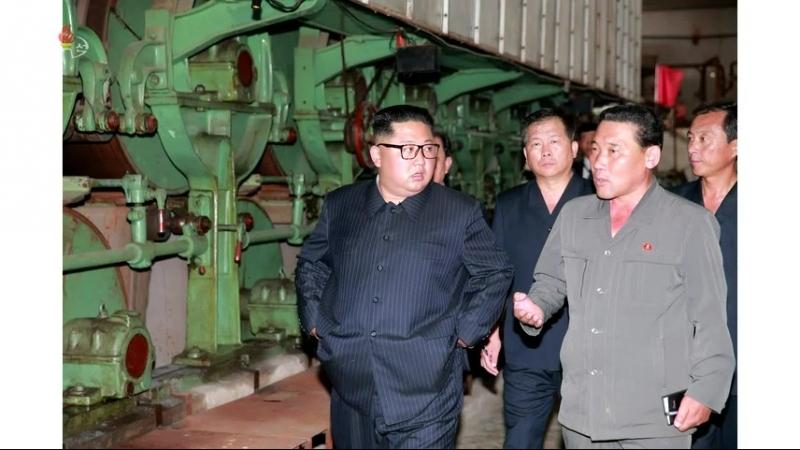 경애하는 최고령도자 김정은동지께서 신의주화학섬유공장을 현지지도하시였다