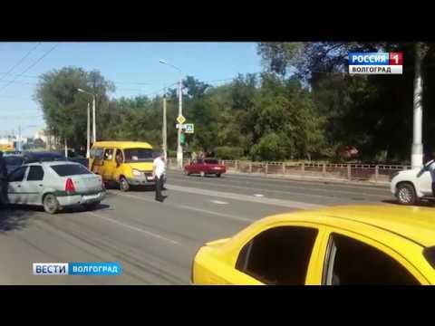 В Тракторозаводском районе автобус столкнулся с четырьмя автомобилями