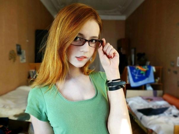 Ламповая тян - это идеальная девушка. Как стать ламповой тян В 2016 году вышел короткометражный фильм Клена Харба под названием «Ламповая тян». По сюжету Алекс проживает жизнь в квартире, и ему