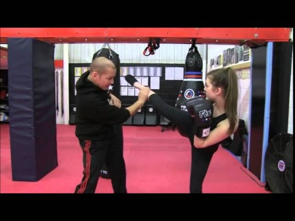 How to catch kicks for kickboxing, mma, thaiboxing, Mittmaster.com