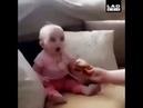 Karnı acıkan bebeğin komik halleri