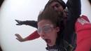 Девушка ЖЖОТ Самый первый прыжок с парашютом это жесть