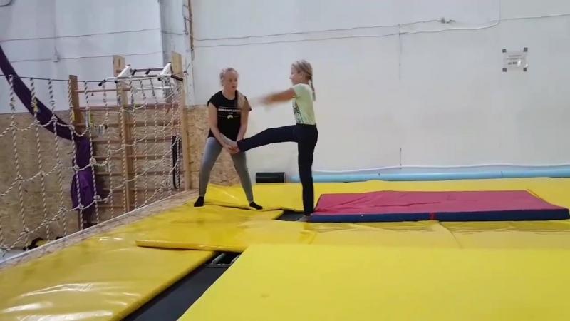 Бланш с поддержки (Лера, Полина)