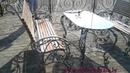 кованый стол и скамейки
