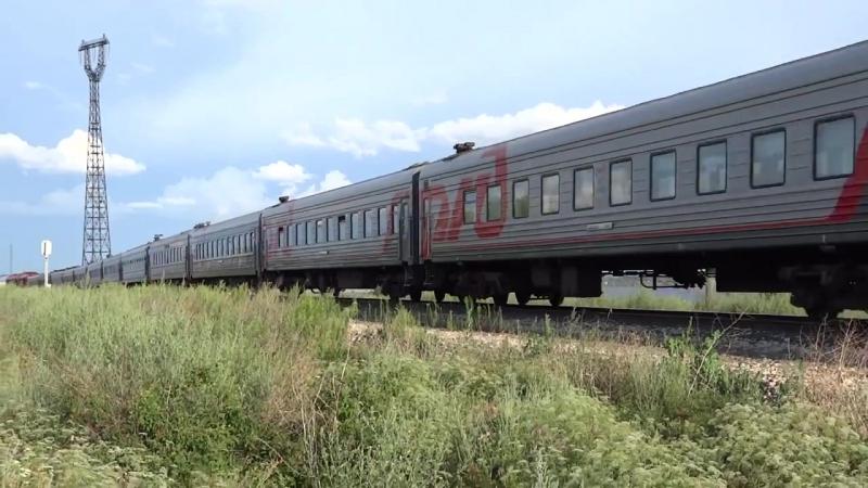 Пассажирский поезд на перегоне Терса-Линёво в районе санатория Синяя Птица.mp4