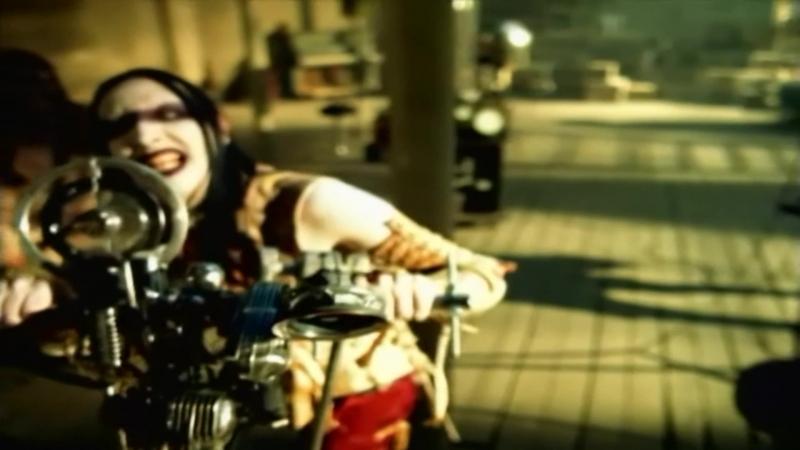 Marilyn Manson - The Beautiful People 1996