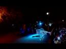 Песня группы Танцы минус - Половинка. Чувак с шарами хотел быть в центре внимания