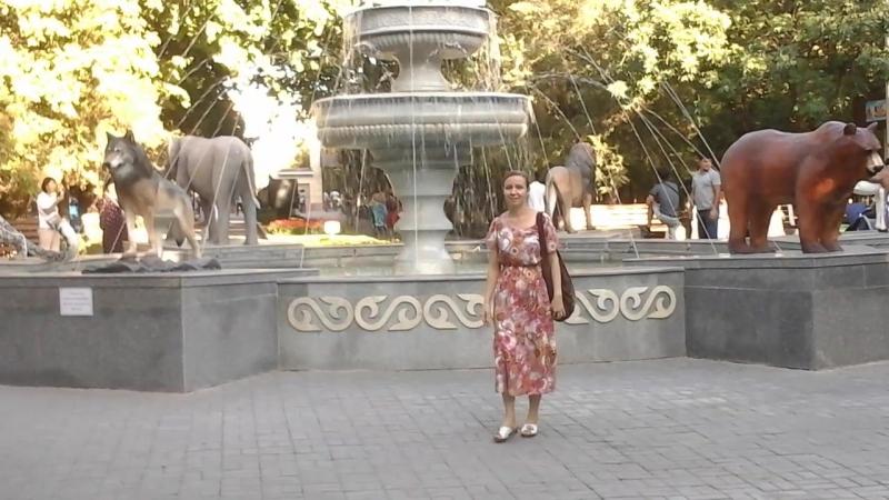 В нашем зоопарке построили фонтан.