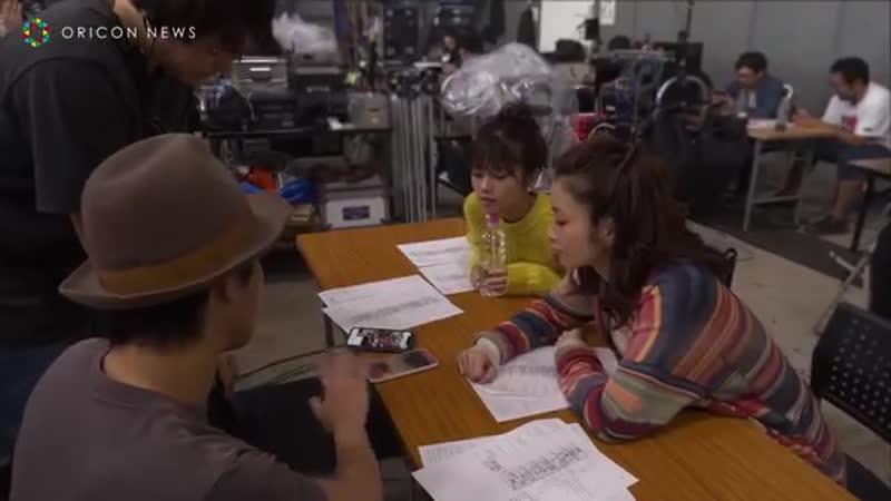 上戸彩&小芝風花、TikTokで動画撮影に挑戦 『TikTok』新CM「グランピング」篇&メイキング