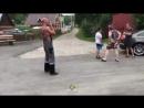 В Новокузнецке соседи что-то не поделили и устроили разборку с применением тяжелой техники