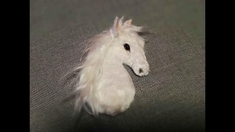 Аппликация на варежки Лошадь