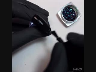 Дизайн ногтей с паутинкой и хлопьями
