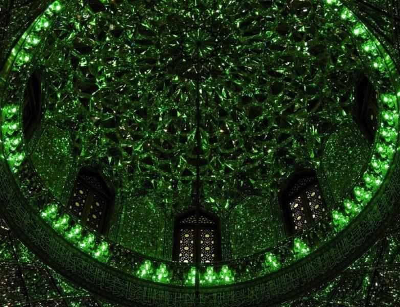 Шах-Четах (Чераг) – один из красивейших мавзолеев в иранском Ширазе.