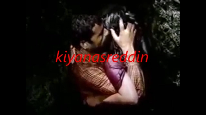 İbrahim Tatlıses Yaprak Özdemiroğlu sevişme sahnesi hem de suda - erotik sex scene in turkish movie
