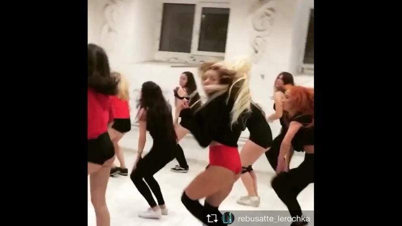 Танцы в Высоких трусиках смотрятся эстетично👍🌺😘🤗 мы стараемся для вас 😘😘😘 @vysokietrusiki