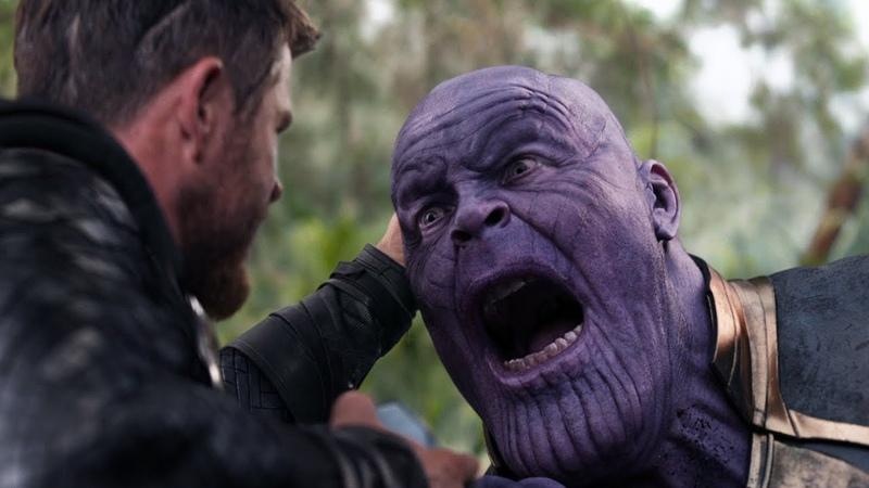 «Надо было по голове»: Тор пронзает Таноса [Мстители: Война Бесконечности]