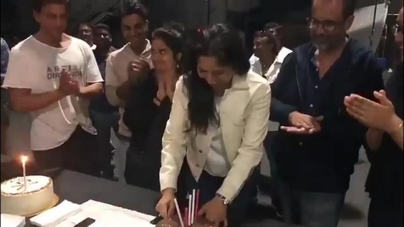 Birthday Celebration on ZeroTheMovie Sets - SRK - Aanand L Rai