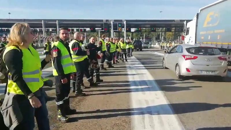 Péage gratuit encadré par les pompiers dans les Alpes Maritimes