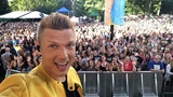 Nick Carter on Instagram Almost time! East coast tune in to @goodmorningamerica #backstreetboysongma
