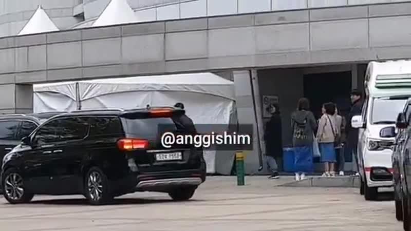 14.04.2019 Чанмин приехал на концерт D E