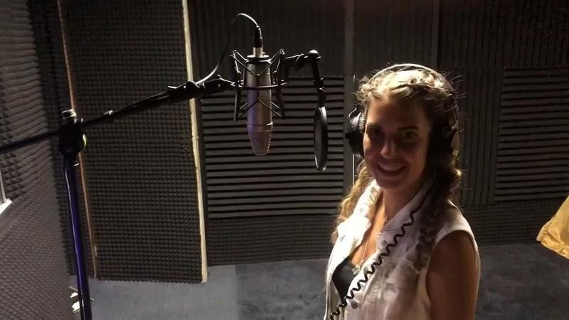 """Майя Донцова on Instagram: """"Премьера песни чувства кричат которую я подарила любимому на наши полтора года отношений. Леша предложил мне поучаств..."""